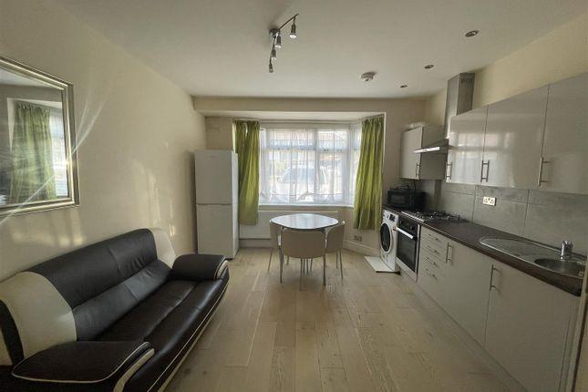 Thumbnail Flat to rent in Worton Way, Hounslow