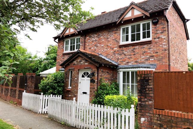 Thumbnail Cottage to rent in Browns Lane, Wilmslow