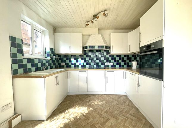 Thumbnail Detached house to rent in Great Cambridge Road, Cheshunt, Waltham Cross