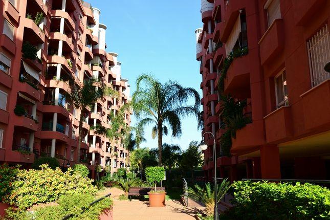 2 bed apartment for sale in Avenida De Finlandia, Los Pacos, Fuengirola, Málaga, Andalusia, Spain