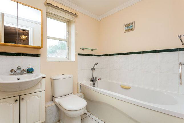 Bathroom of Abergavenny Gardens, Copthorne, Crawley RH10