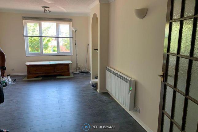 Thumbnail Flat to rent in Vellum Drive, Carshalton