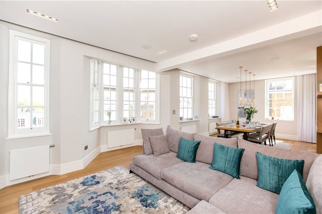 Thumbnail Flat for sale in The Little Boltons, London