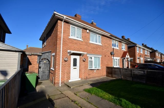 Thumbnail Semi-detached house to rent in Rufford Road, Cleethorpes