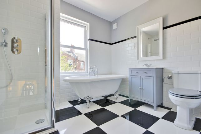 Thumbnail Terraced house for sale in Leith Road, Wood Green, London