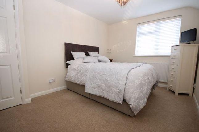 Bedroom of Freeborn Close, Kidlington OX5
