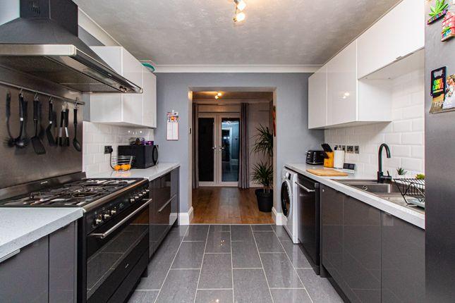 Kitchen of Raphael Drive, Shoeburyness SS3