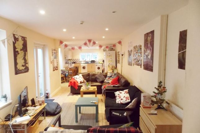 8 bed property to rent in Llanbleddian Gardens, Cathays, Cardiff