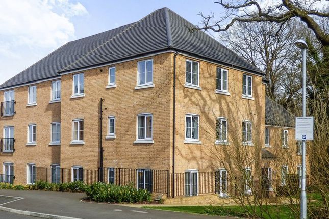 2 bed flat for sale in Waratah Drive, Chislehurst