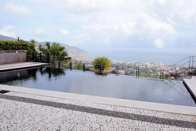 Thumbnail Villa for sale in Villa São Martinho, São Martinho, Funchal, Madeira Islands, Portugal
