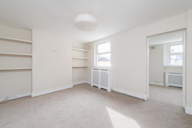 Thumbnail Flat to rent in Radford Road, Hither Green