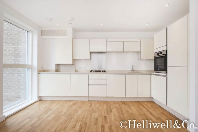 Thumbnail Flat to rent in Drayton Place, Ealing, London