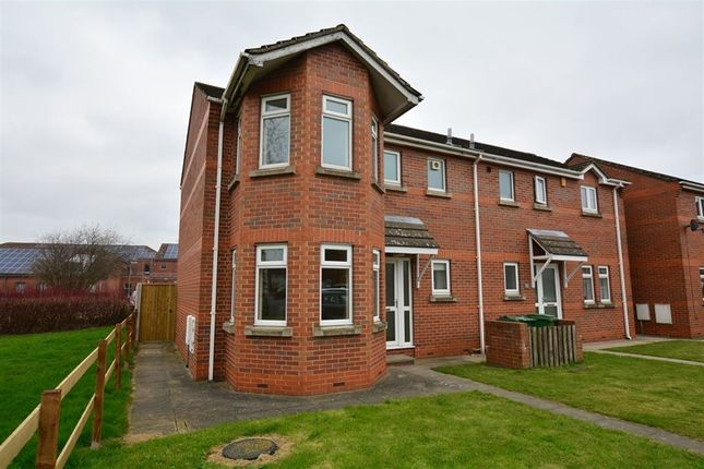 Thumbnail Semi-detached house to rent in Woodland Avenue, Goole