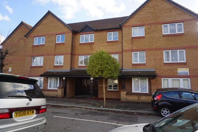 Thumbnail Flat to rent in Parkview Court, 54 Brancaster Road, Ilford