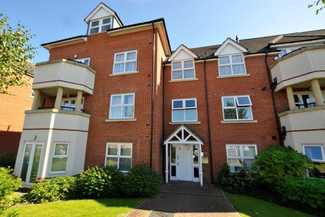 Thumbnail Flat to rent in Pembroke Road, Ruislip