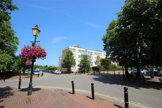 Thumbnail Flat to rent in Bathurst Walk, Richings Park, Buckinghamshire