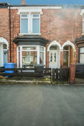 Thumbnail Terraced house to rent in Belvoir Street, Princes Avenue, Hull