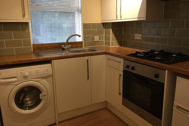 Thumbnail Flat to rent in Ava Street, Kirkcaldy, Fife