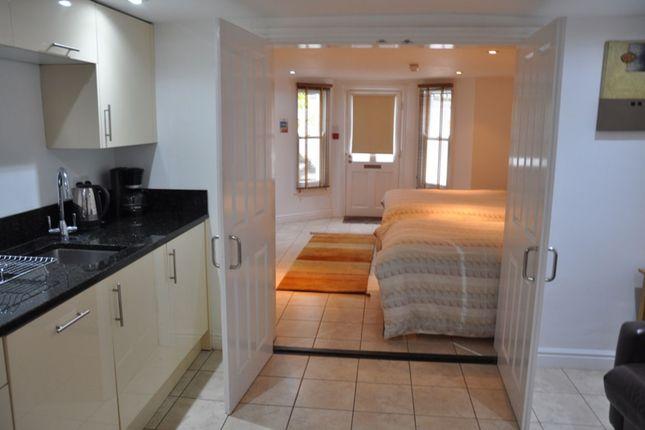 Thumbnail Flat to rent in Warkworth Street, Cambridge