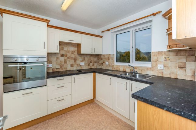 2 bed flat for sale in Hinderton Road, Neston CH64