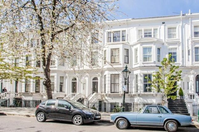Thumbnail Terraced house to rent in Palace Gardens Terrace, London