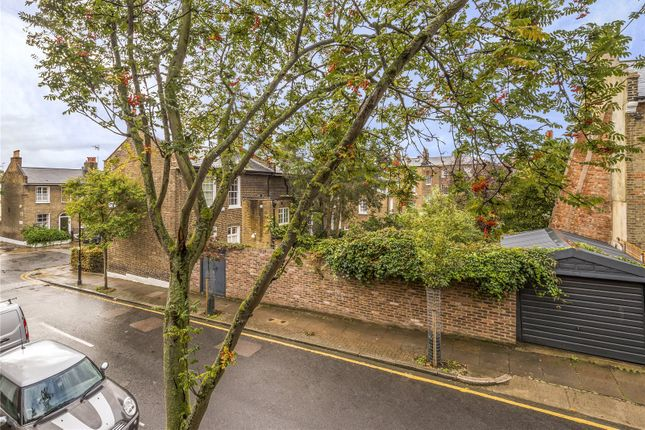 Picture No. 09 of Barnsbury Terrace, London N1