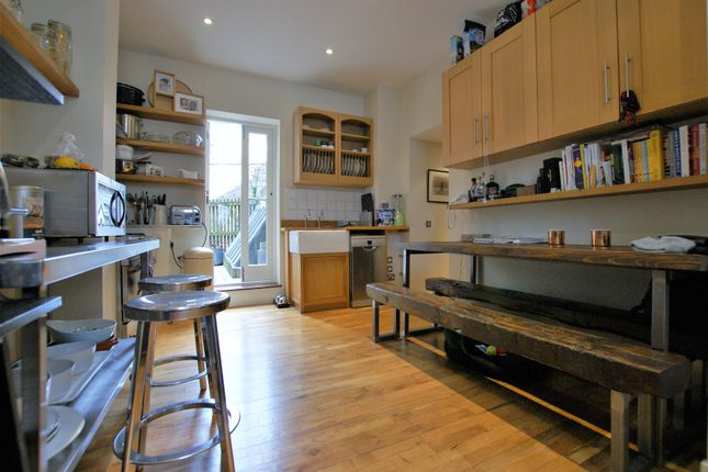 Thumbnail Terraced house to rent in Fournier Street, Spitalfields
