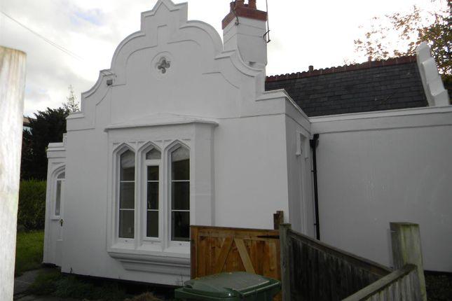 2 bed detached house to rent in London Road, Shendish, Hemel Hempstead HP3