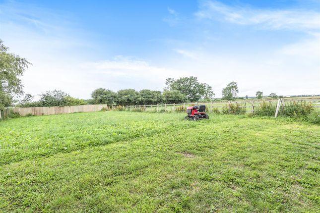 508548 (9) of Broomfield Farm, Colehurst Lane, Off Smeaton Lane, Rugby CV23