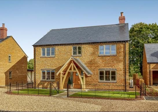 Thumbnail Detached house for sale in Oxhill Road, Warwick, Warwickshire