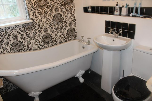 Thumbnail Semi-detached house to rent in Hadley Grange, Newhall, Harlow