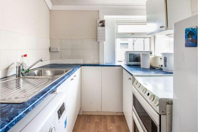 Kitchen of Croftend Avenue, Croftfoot, Glasgow G44