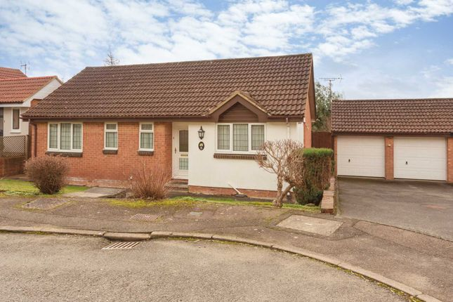 Thumbnail Bungalow for sale in Stanier Rise, Northchurch, Berkhamsted
