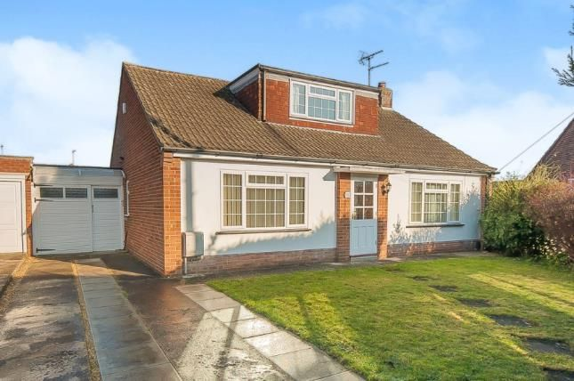 3 bed bungalow for sale in Mary Walsham Close, Stanground, Peterborough, Cambridgeshire