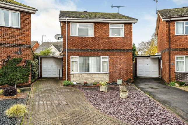 Thumbnail Detached house for sale in Waverley Close, Kidderminster
