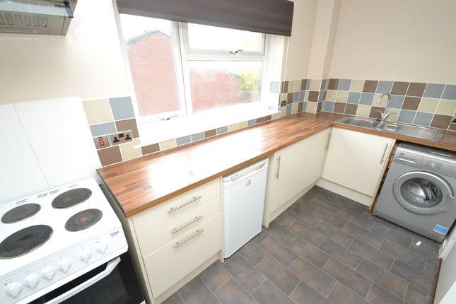 Thumbnail Flat to rent in Buckton Mount, Beeston, Leeds