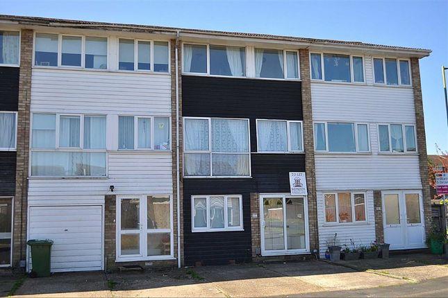 Thumbnail Maisonette to rent in Lammasmead, Broxbourne, Hertfordshire