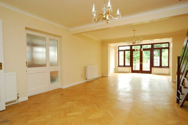 Thumbnail Property to rent in Hale Gardens, Ealing