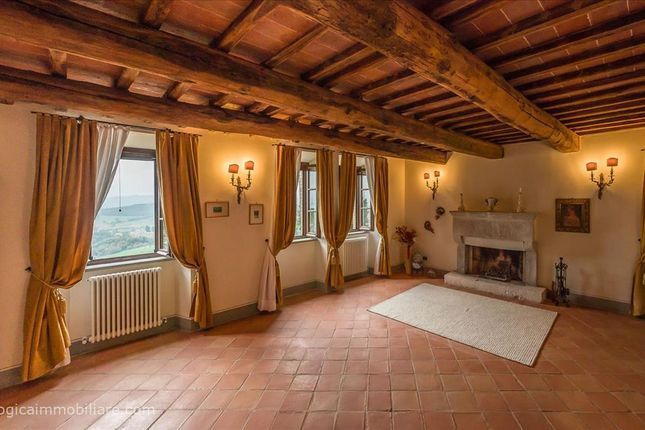 3 bed apartment for sale in Strada Ponte D'oddi, Perugia, Umbria