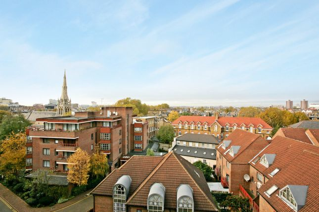 Thumbnail Flat for sale in Windsor Way, London