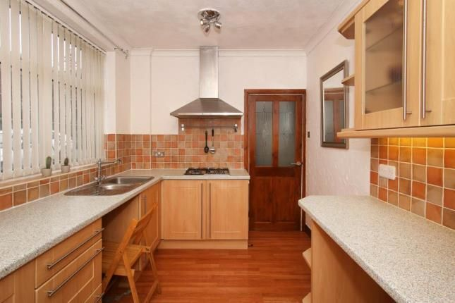 Picture No.06 of Manor Oaks Close, Sheffield, South Yorkshire S2