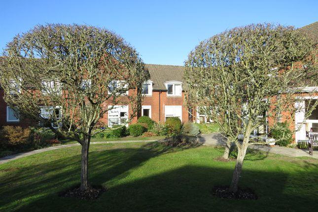 Thumbnail Flat for sale in Salisbury Road, Fordingbridge