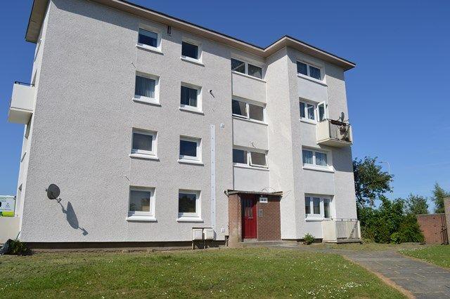 Thumbnail Flat to rent in Davaar Drive, Kirkcaldy, Fife