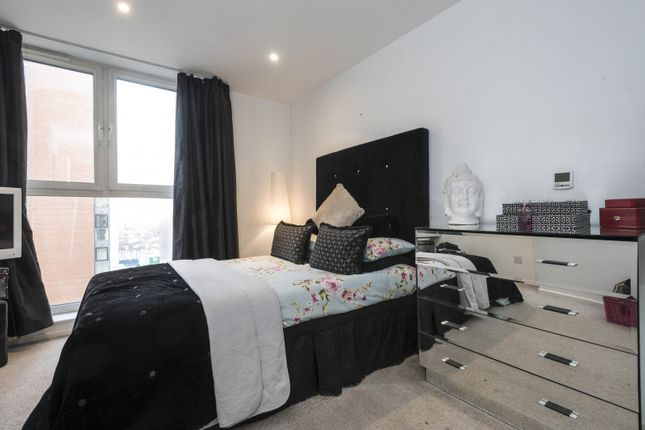 Bedroom of 18 Western Gateway, Royal Victoria E16