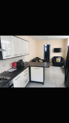 Thumbnail Shared accommodation to rent in Washington Street, Hull, Kingston Upon Hull