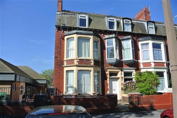 Thumbnail Flat for sale in London Street, Fleetwood