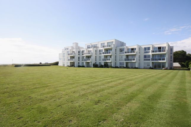 Thumbnail Flat for sale in Park Lane, Milford On Sea