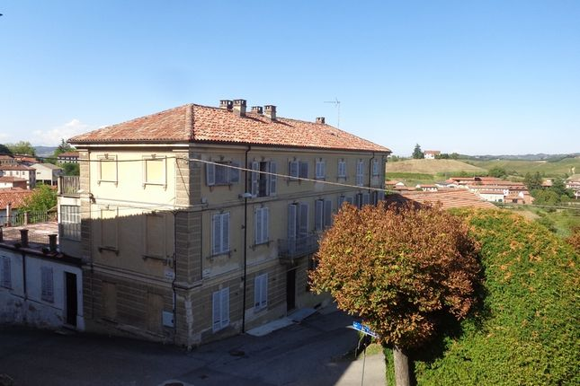 Thumbnail Country house for sale in Majestic Villa With Panoramic Terrace, Moncalvo, Asti, Piedmont, Italy