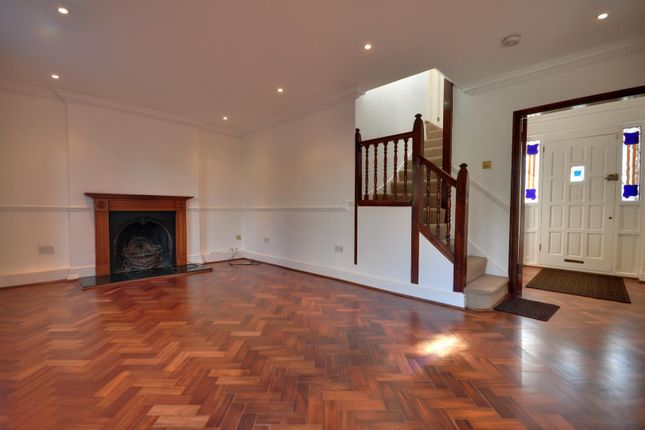 Thumbnail Detached house to rent in Devonshire Road, Hatch End, Middlesex