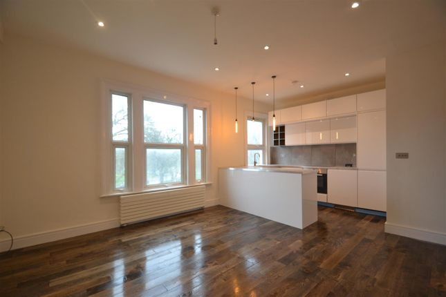 Thumbnail Flat to rent in Haven Green, Ealing
